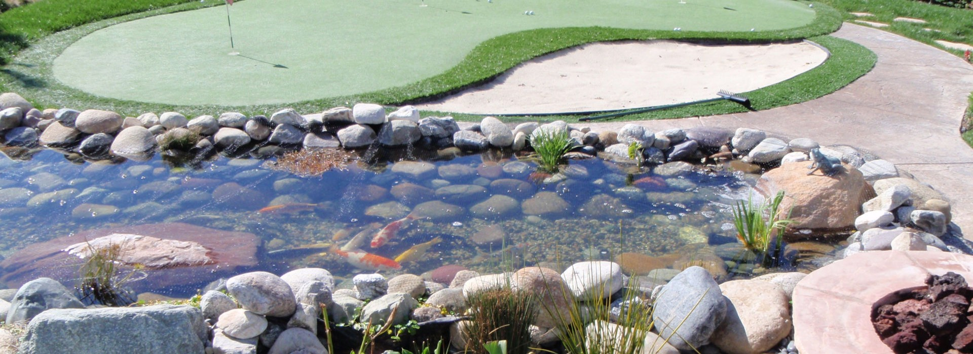 backyard-putting-green-and-pond-banner-1
