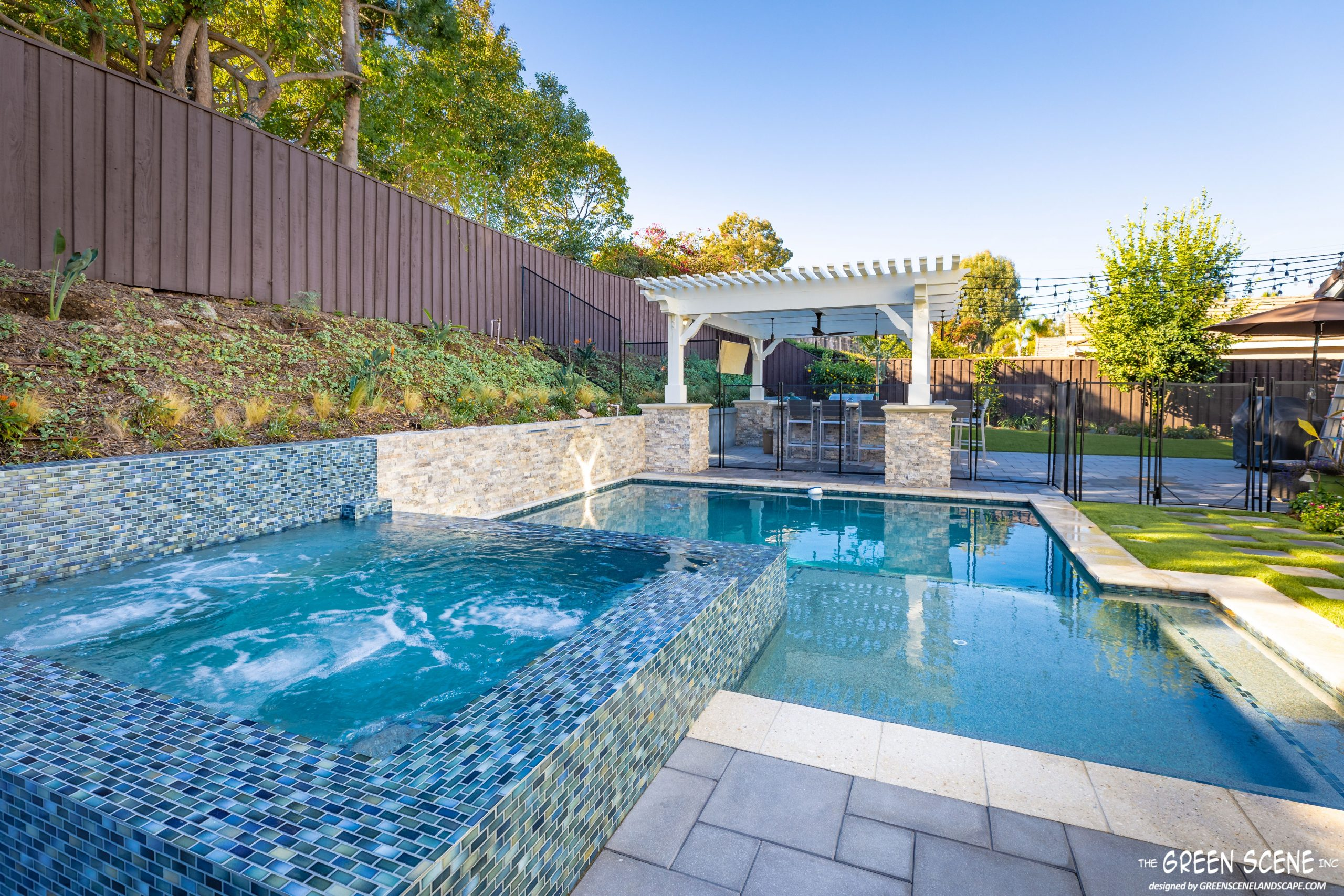 Let the creativity flow with a contemporary design pool
