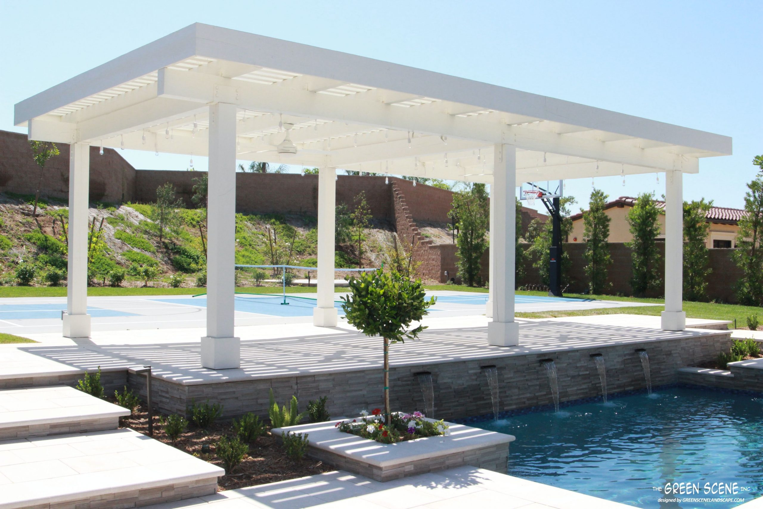 The Difference Between Patio Covers, Pergolas & Pavilions