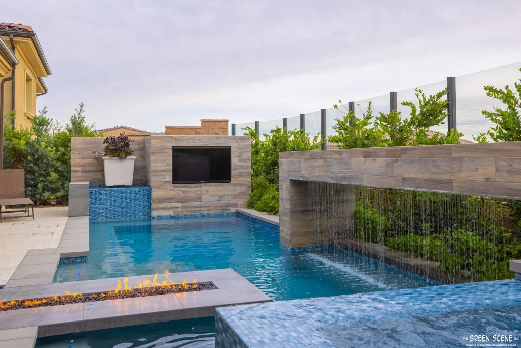 a contemporary pool design trend in a Southern California backyard
